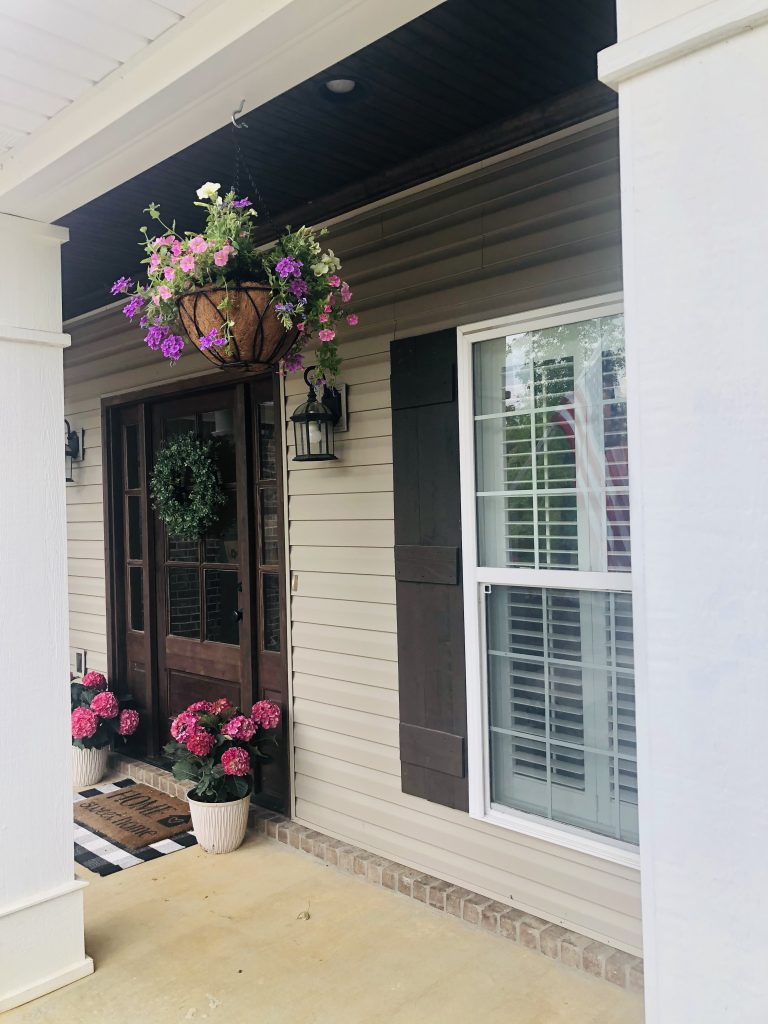 pretty southern front porch flowers