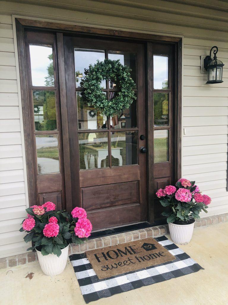pretty-southern-front-porch-hydrangeas-mississippi